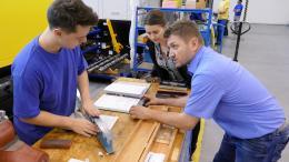 Kontrola dosedacích ploch pro vyrovnání strojní vodováhou