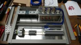 Zkušební panel s malým ovládacím panelem